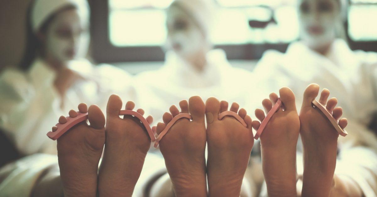 Guide pour organiser un EVJF parfait - Enterrement vie de jeune fille - bachelorette party - bridal shore - Blog Mariage - Le Carnet Blanc